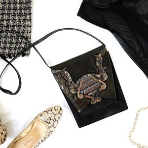 Vintage black patent 80s trapeze shoulder bag